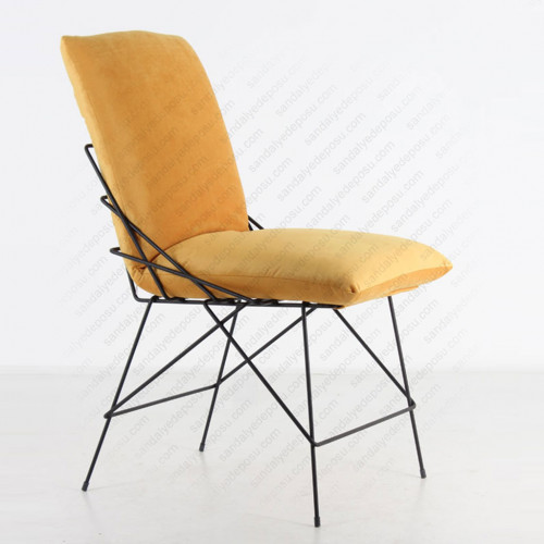 Urla Döşemeli Boyalı Metal Sandalye Hardal