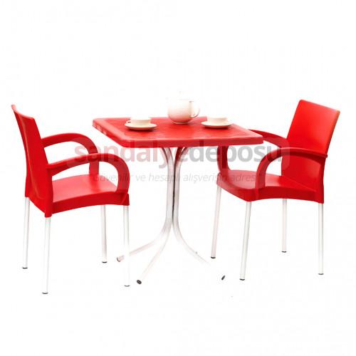 70x70 Plastik Masa kırmızı Sandalye 2+1